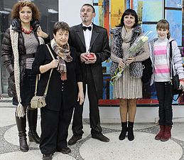 Exhibition of Anatoly Zhuravlev in Minsk Palace of Arts 6.11.2013 Horizons Family.jpg
