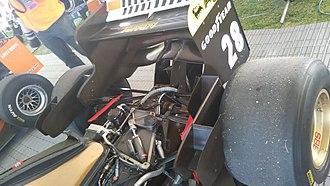 Ferrari 412 T1 - Gearbox, rear suspension rockers and rear wing of Ferrari 412 T1.