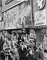 Film De Val van Berlijn in bioscoop Royal te Amsterdam betreft Russische fil…, Bestanddeelnr 904-3432.jpg