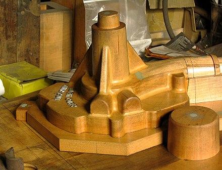 Werk Eines Modelltischlers: Holzmodell Als Vorlage Des Zu Fertigenden  Gußstückes