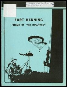 Um panfleto que descreve Fort Benning.