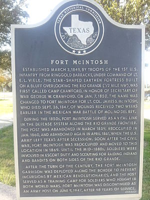 Fort McIntosh, Texas - Image: Fort Mc Intosh Texas Historical Marker