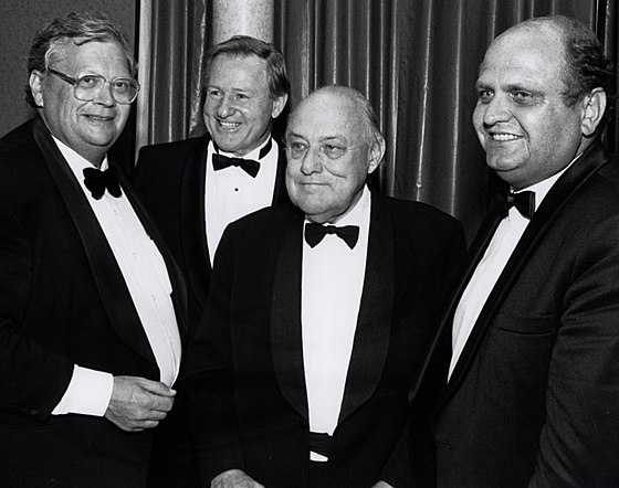 Four New Zealand prime ministers (pictured in 1992) - David Lange, Jim Bolger, Sir Robert Muldoon and Mike Moore Four past New Zealand prime ministers together in 1992.jpg