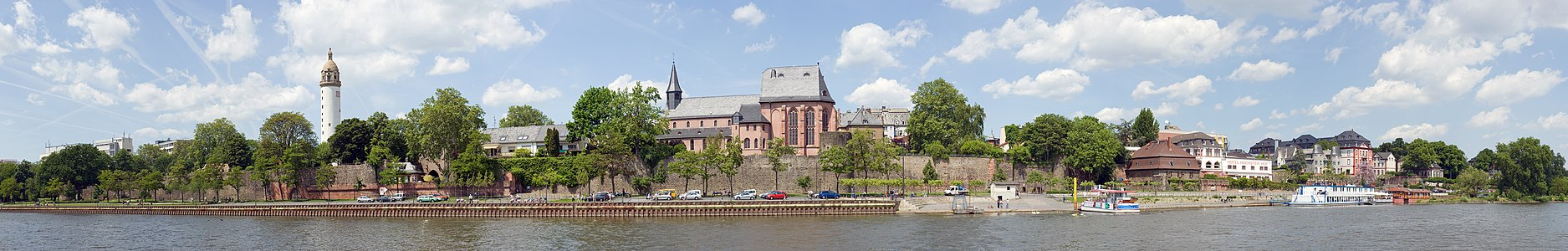 Frankfurt on the Main: Waterside of the district Hoechst as seen from the southern side of the Main