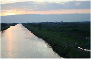 Canal du Rhône à Sète - Image: Franquevaux (30)