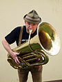 Fredi Breunig mit Tuba.jpg