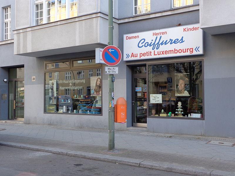 File:Friseur Au Petit Luxembourg Berlin-Schöneberg.JPG - Wikimedia Commons