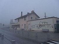 Gare de Gaillon - Aubevoye extérieur.JPG