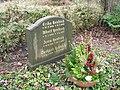 Gerhard Hentrich - Friedhof Steglitz.JPG