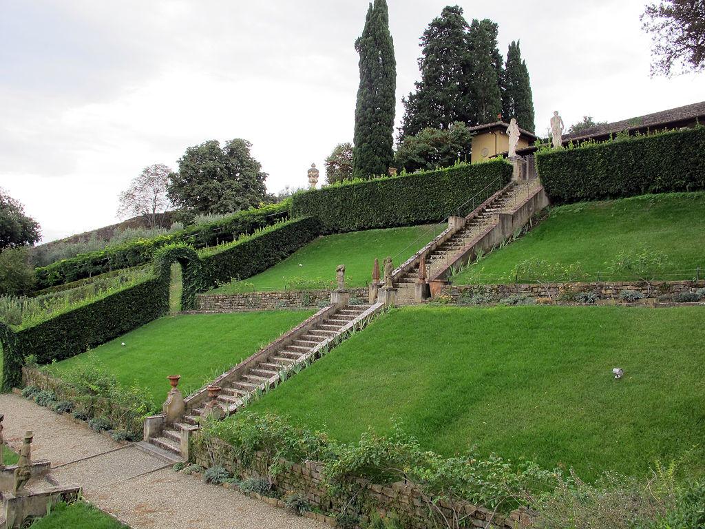 File giardino bardini terrazzamenti 01 jpg wikimedia for Giardini terrazzati immagini