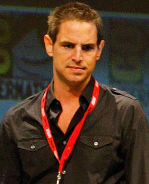 English: Greg Berlanti at 2010 Comic-Con Inter...