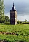 foto van Boerderij, Brabantse staldeeltype van de hallehuisgroep, met waterput, schuur en rieten dak