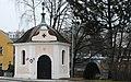GuentherZ 2011-03-19 0047 Zwettl Johannes-Nepomuk-Kapelle Kriegerdenkmal.jpg