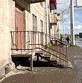 Gyumri - building entrance.jpg