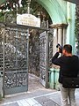 HK Mid-levels 回教清真禮拜總堂 Jamia Mosque temple entrance Shelley Street camera man Jan-2011.jpg