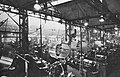 Hala produkcyjna w Fabryce Wyrobów Precyzyjnych im. gen. Świerczewskiego ok. 1971.jpg