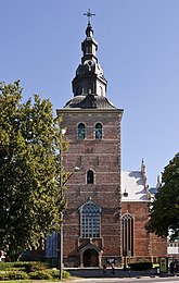 Fil:Heliga Trefaldighets kyrka - tornet.jpg