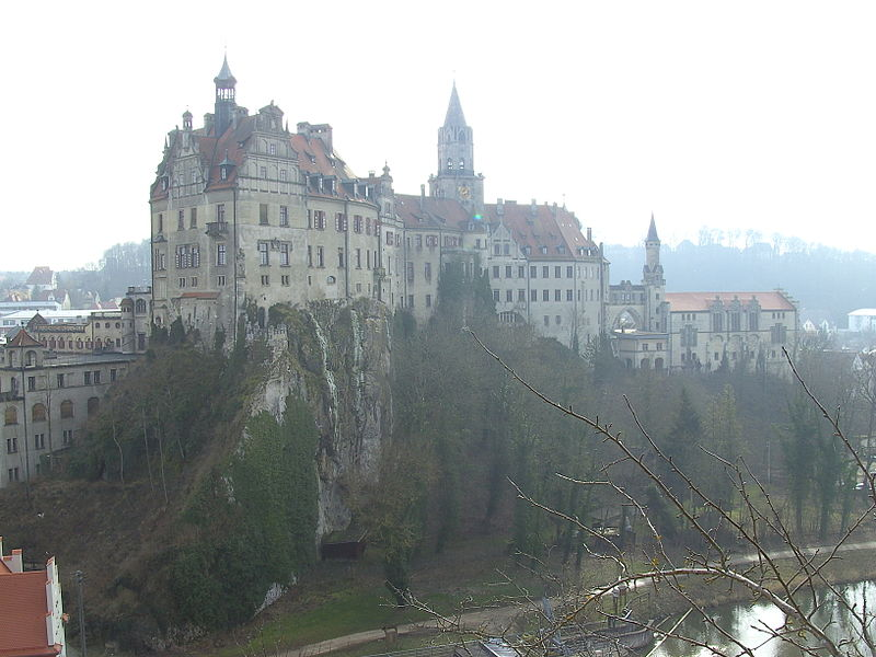 Datei:Hohenzollernschloss-Sigmaringen.jpg