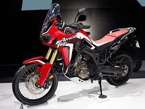 Honda CRF1000L front-left 2016 Auto China.jpg