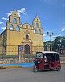 Iglesia San Francisco De Asis and auto rickshaw, Oxkutzcab, Yucatan, Mexico.jpg
