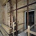Interieur, gang tijdens restauratie - Nederhemert-Zuid - 20374008 - RCE.jpg