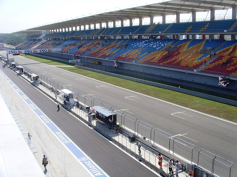 Istanbul park front straight and main grandstand