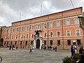 Italie, Ravenne, Piazza del Popolo, Préfecture de police (48087045008).jpg