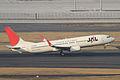 JAL B737-800(JA302J) (4372319373).jpg