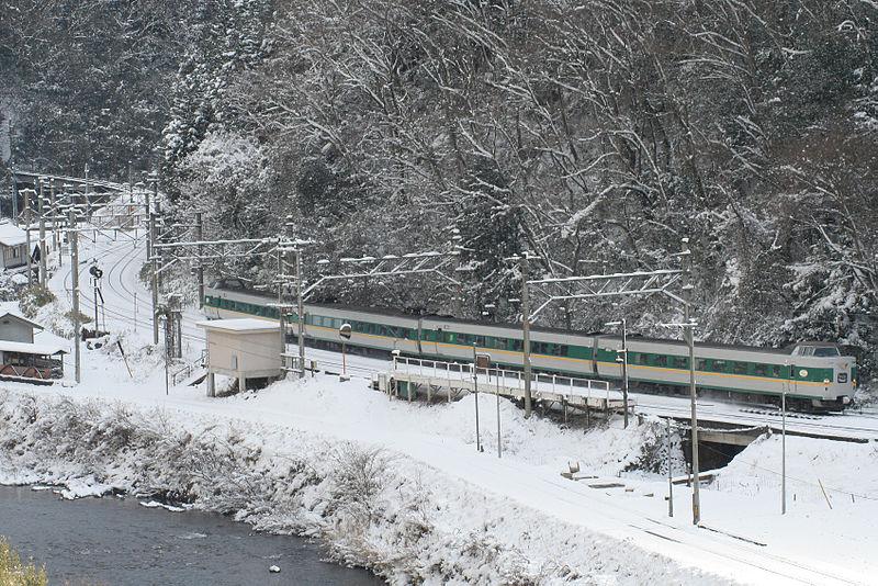 File:JRW hakubi line yakumo.jpg