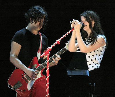 Picture of a band or musician: The White Stripes