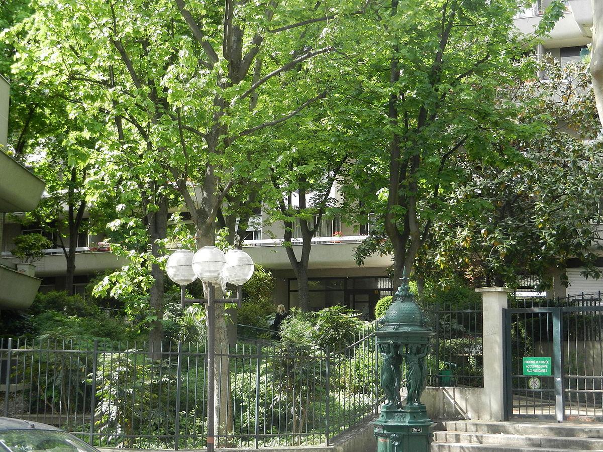 Jardin de la rue poliveau wikip dia for Au jardin de la nymphe bleue