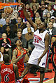 Jason Maxiell dunk Pistons vs Warriors 2009.jpg