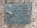 Jeneč - pomník obětem 2. světové války v Lidické ulici (2).jpg
