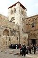 Jerusalem-Grabeskirche-04-Vorhof-2010-gje.jpg