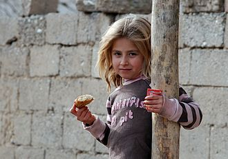 Kurdish population - Kurdish girl in Mardin Province