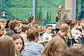 Joachim Scharloth diskutiert mit den Teilnehmer-innen über Hackerethik (27595608350).jpg