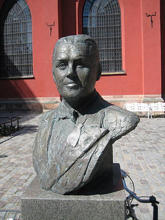 Jussi Björling - Bust of Björling in Stockholm