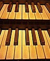 Karlskron, St. Trinitas, Orgel (26).jpg