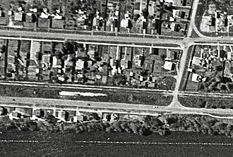 Kimihia railway station - Aerial view of Kimihia Road in 1941. The white patch to the left may have been the site of the station