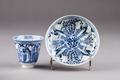 Kinesisk kopp med fat från 1700-talet - Hallwylska museet - 95622.tif