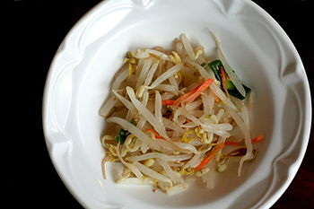 Sauteed mung bean sprouts.