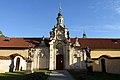 Kostel Panny Marie Vítězné (Řepy) Karlovarská (3).jpg
