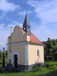 Krty-Hradec-chapel.jpg