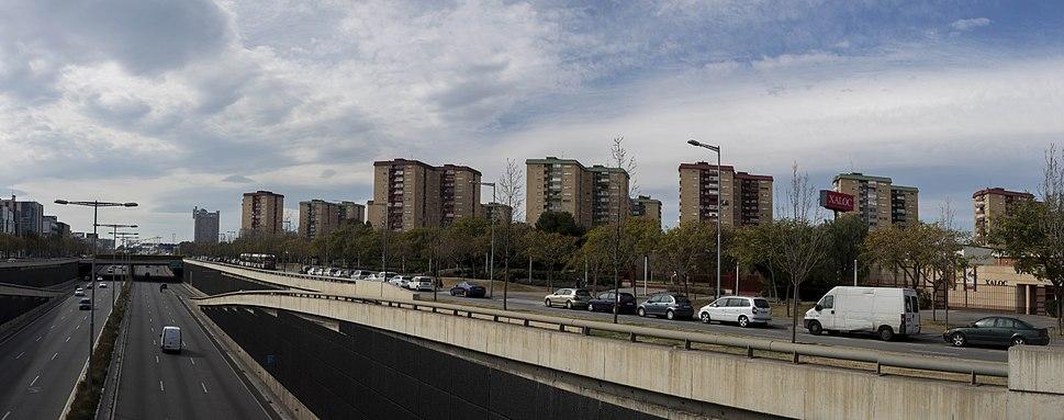 Gran Via i blocs de El Gornal.