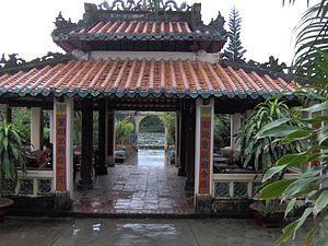 Hà Tiên - Mạc Cửu mausoleum