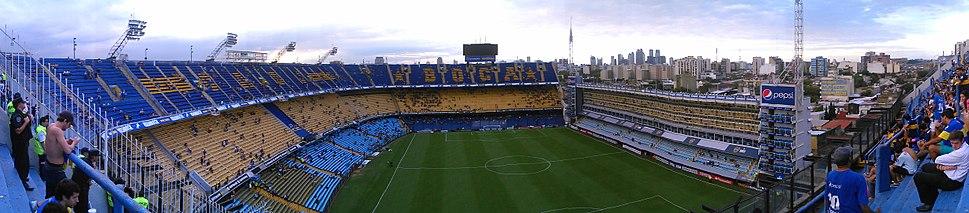 El estadio Alberto J. Armando, propiedad de Club Atlético Boca Juniors, en el barrio La Boca.