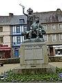 La statue de ernest renan a treguier - panoramio.jpg