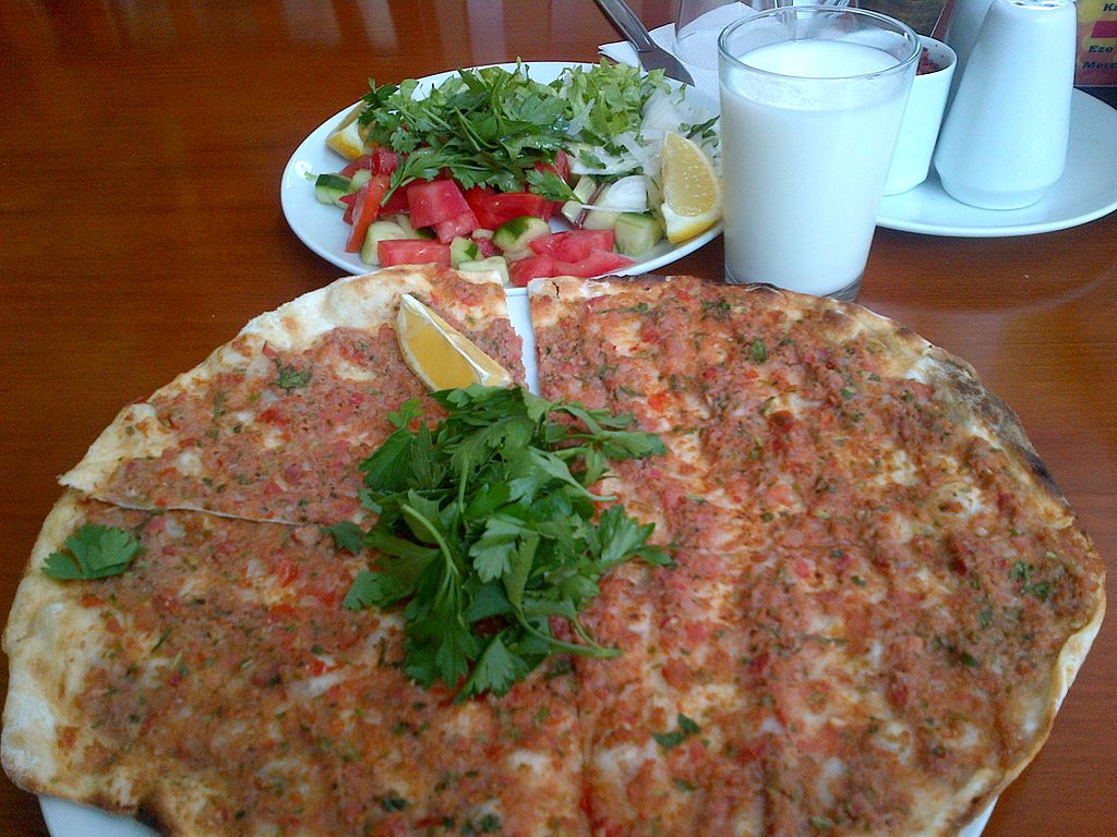 Lahmacun and salad