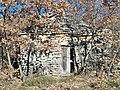 Lardiers - Cabanon en pierres sèches.JPG