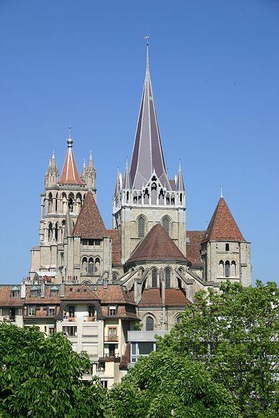 ☼..مدينة لوزان السويسرية الساحرة 400px-Lausanne-cathe7